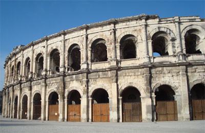 Nîmes, ville natale de Raymond Geoffroy, Fabricant de l'Authentique BRANDADE de NIMES